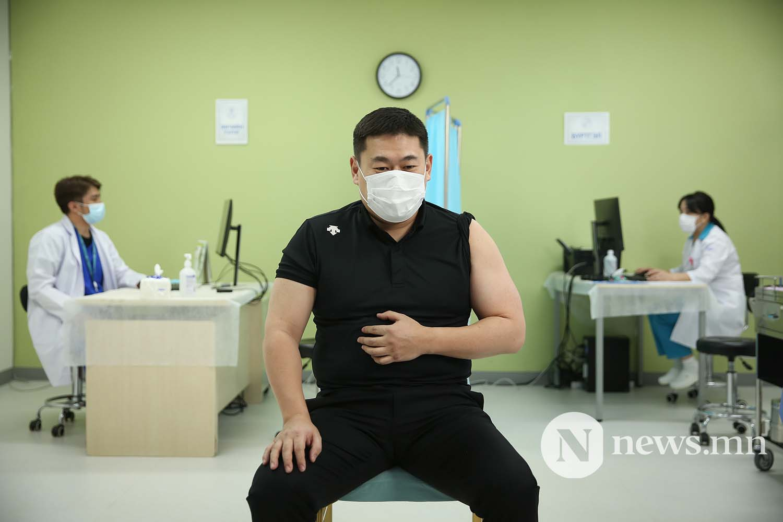 Л.Оюун-Эрдэнэ Монгол Улсын Ерөнхий сайд вакцин (15)