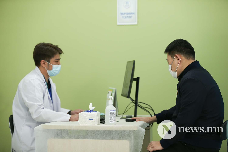 Л.Оюун-Эрдэнэ Монгол Улсын Ерөнхий сайд вакцин (4)