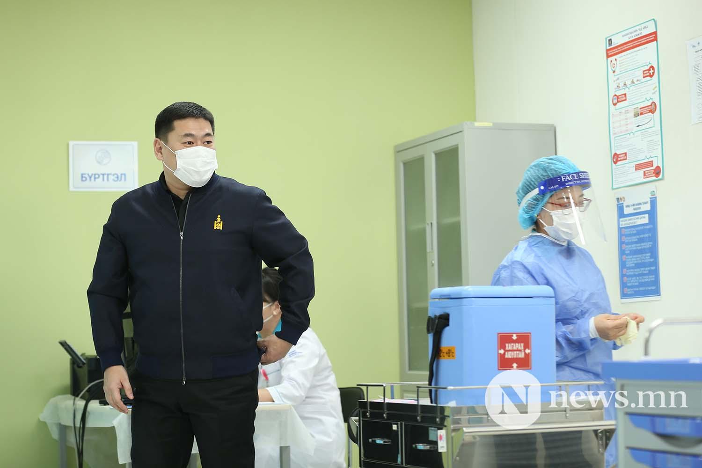 Л.Оюун-Эрдэнэ Монгол Улсын Ерөнхий сайд вакцин (6)