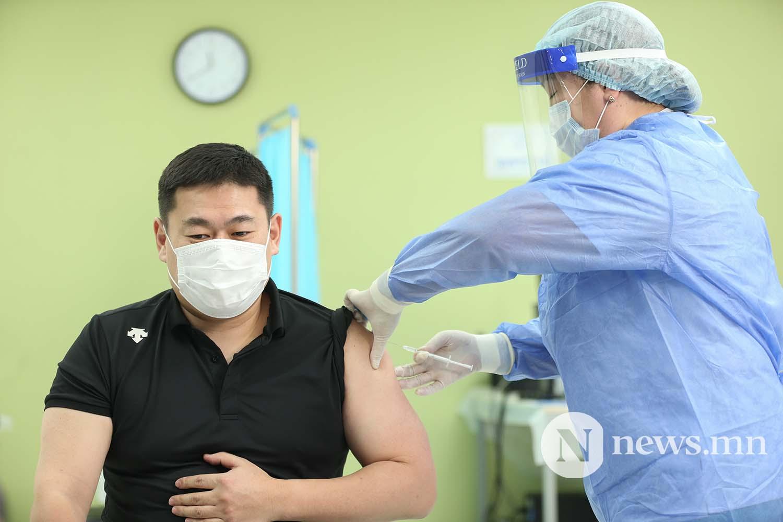 Л.Оюун-Эрдэнэ Монгол Улсын Ерөнхий сайд вакцин (7)