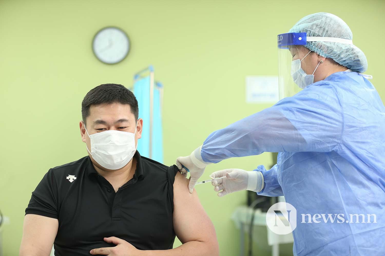 Л.Оюун-Эрдэнэ Монгол Улсын Ерөнхий сайд вакцин (8)