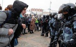 Оросууд хоёр дахь удаагаа жагсч, 5000 орчим хүн баривчлагджээ