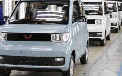 Хятадын хямд цахилгаан машин Tesla-гаас олон зарагджээ