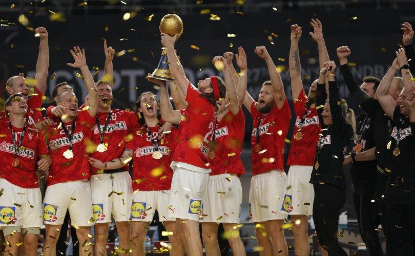 Данийн шигшээ баг дэлхийн аваргад дараалан түрүүллээ