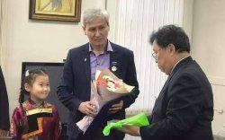 Бадам, Чагдар хоёр хүүхэлдэйн киноны зохиогч шагнал хүртэв
