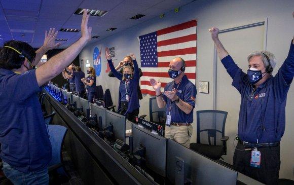 """""""NASA""""-ийн сансрын станц Ангараг гариг дээр амжилттай газардлаа"""