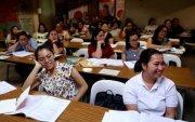 Филиппин вакцин авахын тулд Британи, Германд сувилагч нараа санал болгожээ