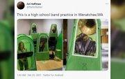 АНУ-ын ахлах сургуулийн сурагчдыг тусгаарлах майхан шүүмжлэл дагуулав