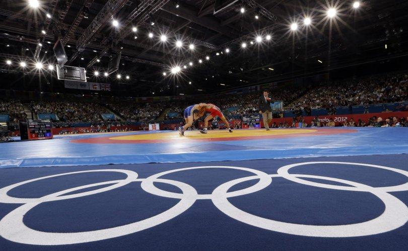 Чөлөөт бөхийн тамирчдад олимпийн эрх авах 3 тэмцээн бий