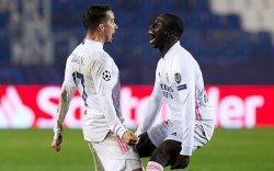 Испанийн клубуудын хар цувралыг Реал Мадрид зогсоолоо