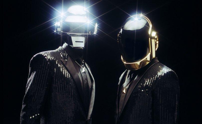 Daft Punk хамтлаг албан ёсоор тарлаа