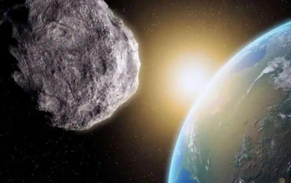 NASA: Цэнгэлдэхийн дайтай астероид дэлхий рүү ойртож байна