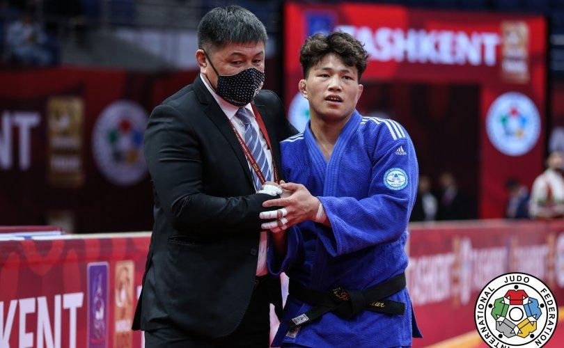 Ташкент Гранд Слам: Ц.Цогтбаатар алтан медаль хүртлээ