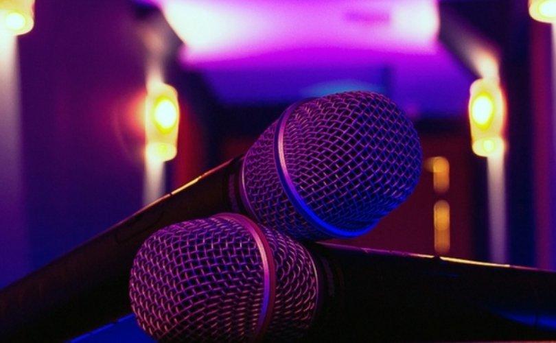 Микрофоны нэг удаагийн бүрхэвчийг сольж, халдваргүйжүүлээгүй зөрчил илрэв
