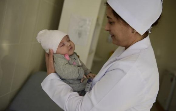 """Туркменистан: Нийслэлийн ойн өдөр төрсөн хүүхдийг """"Нийслэл"""" гэж нэрлэнэ"""