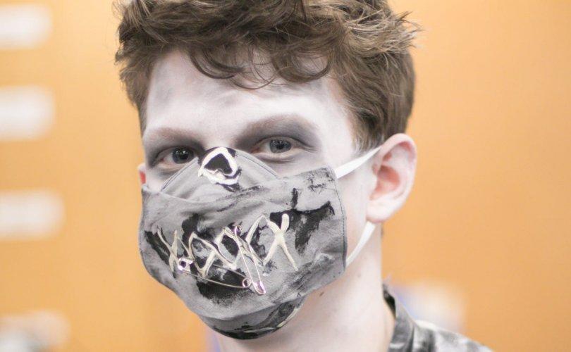 АНУ-ын эрх баригчид зомби халдварт бэлэн байхыг сануулжээ