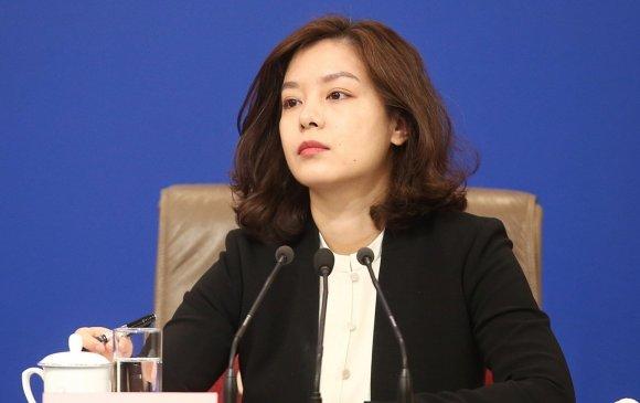 Хятадын үзэсгэлэнт орчуулагч Жан Жин гэж хэн бэ?