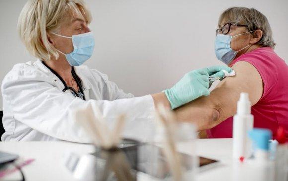 """""""Pfizer""""-ийн вакцин тарган хүмүүст дархлаа тогтоохдоо муу байж магадгүй"""