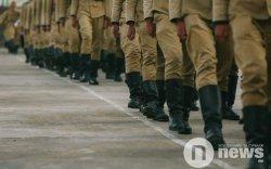 Шинэ цэргүүдийг дэглэсэн хал цэргүүдэд зургаан сар хорих ял оноожээ