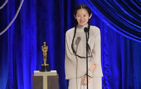 Оскар 2021: Анх удаа ази эмэгтэй шилдэг найруулагч боллоо