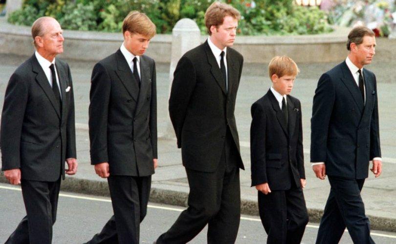Хатан хааны гэр бүлийн гашуудлын хувцасны жаяг