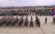 Ялалтын баярын парадын тэргүүн эгнээнд монгол цэргүүд алхлаа