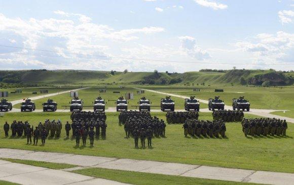 ОХУ, АНУ Балканд зэргэлдээ цэргийн сургуулилт хийж байна