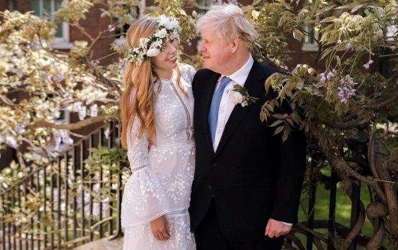 Их Британийн Ерөнхий сайд Борис Жонсон гэрлэжээ