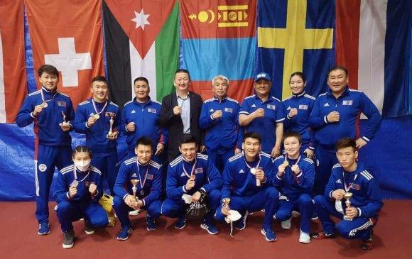 Чөлөөтийнхөн олимпийн эрхээ нэмж, боксынхон Европт тэргүүлэв