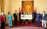 Монголын ард түмний сэтгэлийн хандивыг Элчин сайдад хүлээлгэн өглөө