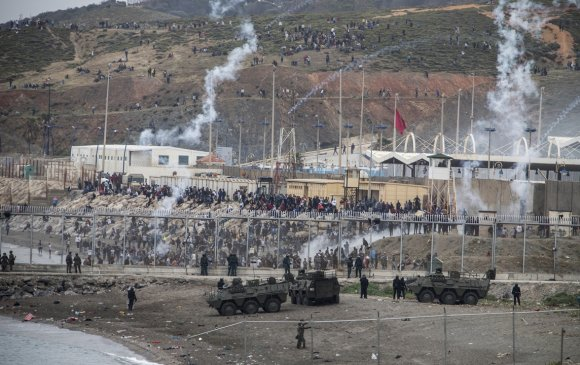 Испани улс дүрвэгчдийн эсрэг цэрэг хөдөлгөв