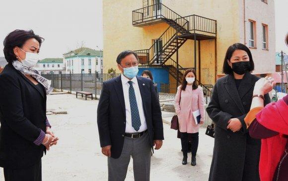 Ажлын хэсэг БЗД-ын захын хорооллын 79, 14 дүгээр сургуулиудад ажиллав