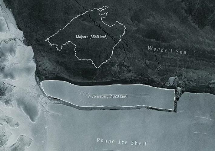 Нью-Йоркоос дөрөв дахин том мөсөн уул Антарктидаас тасарчээ