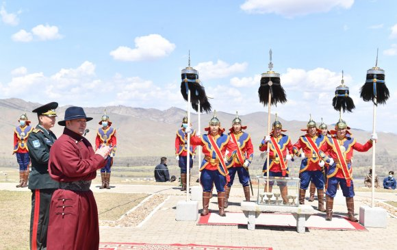 Ерөнхийлөгч Бүх цэргийн Их хар сүлдийг цэнгүүлэх тайлгын ёслолд оролцов