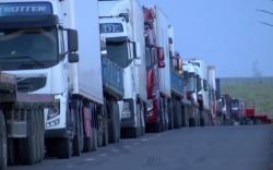Замын-Үүдийн боомтоор нэвтрэх тээврийн хэрэгслийн тоог нэмэгдүүллээ