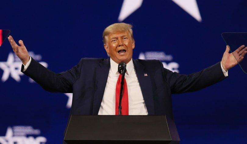 Цагаан ордноос явсан Д.Трамп АНУ-ын улс төрөөс яваагүй