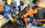 Жуулчид зураг авахуулах гэснээсболж завь хөмрөн, долоон хүн нас баржээ