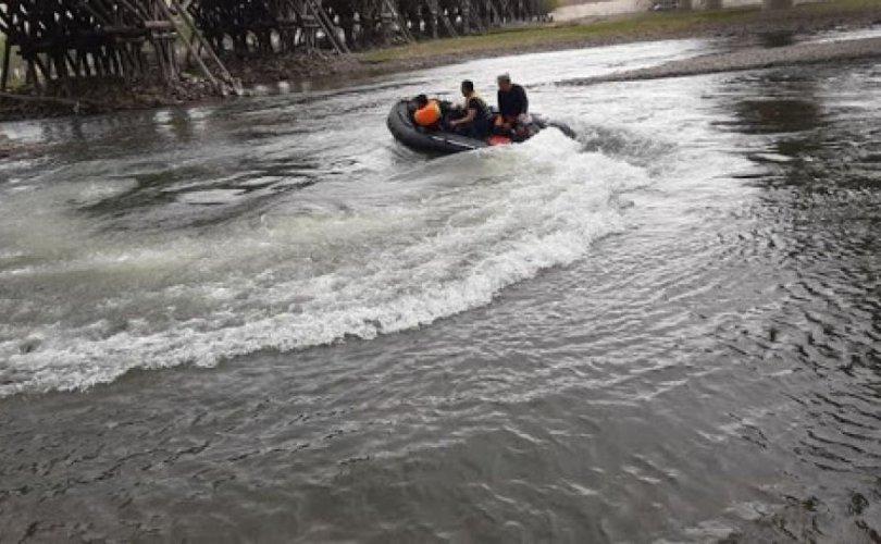 АНХААР: Он гарсаар голын усанд 13 хүн осолджээ