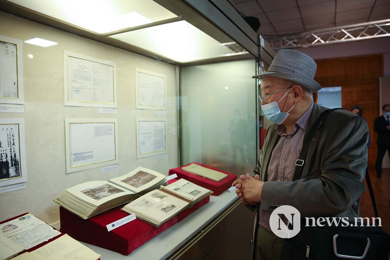 Дэлхийд тархсан монгол өв архивын баримт бичгийн дурсгал үзэсгэлэн (2)