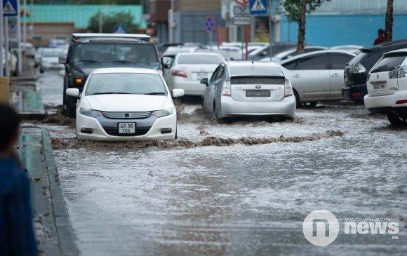 Зарим нутгаар аадар бороо орох тул үер усны аюулаас сэрэмжлээрэй