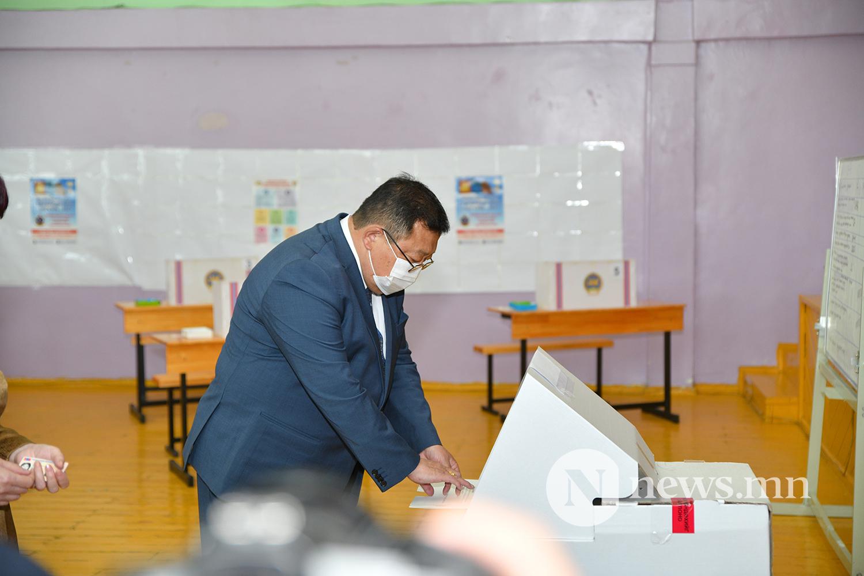 Эрдэнэ сонгууль (10)