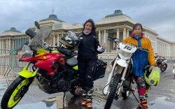 """""""Мотоциклтой дэлхийгээр аялах мөрөөдөлтэй ээж, охин хоёр"""""""