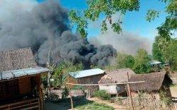 МьянмарынКинМа тосгон мөргөлдөөний хөлд үнсэн товорго болжээ
