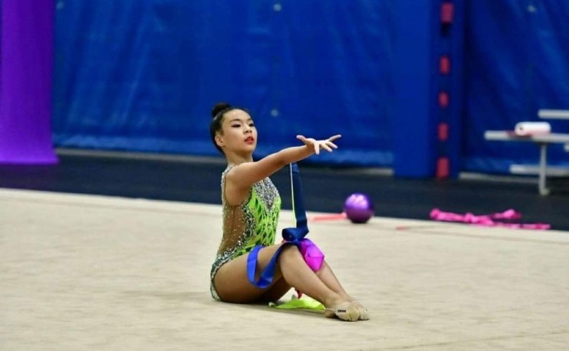 Монгол охин АНУ-ын уран сайхны гимнастикийн аварга болжээ