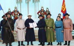 Монголын Ардчилсан холбоог Баатар цолоор шагнав
