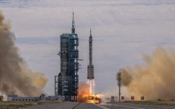 Хятадын байгуулж буй сансрын станц руу анх удаа хүн илгээв