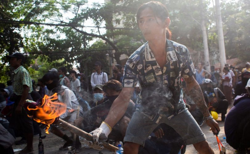 Мьянмарын хунтынэсрэг зэвсэгт бүлэглэлүүд албан ёсоор дайн зарлалаа