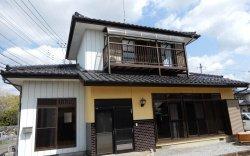 Япон 8 сая гаруй эзэнгүй байшингаа маш хямд үнээр санал болгов