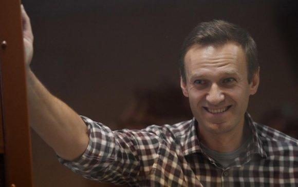 Кремль: АНУ Навальныйг авъя гэвэл тагнуул гэж хүлээн зөвшөөрөх хэрэгтэй