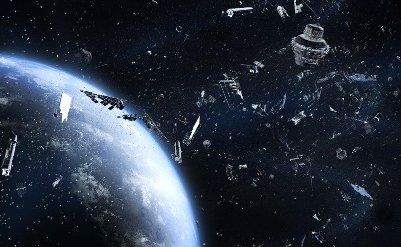 Сансрын хог олон улсын сансрын станцыг мөргөж гэмтээжээ
